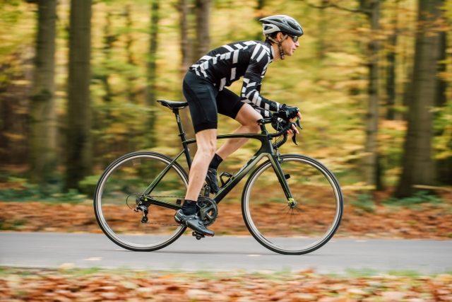 ロードバイクに乗る姿勢・イメージ