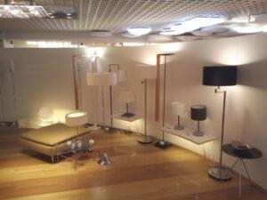 天井照明とフロアスタンド