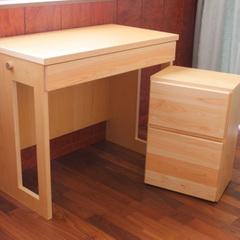 岐阜県七宗町・東濃ひのきを使った机とワゴンのセット