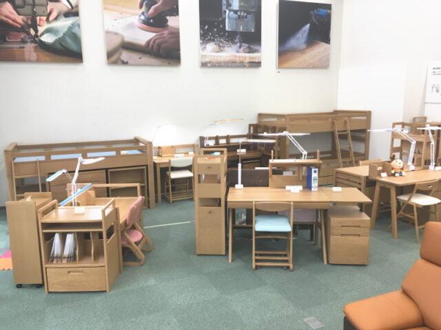 浜本工芸の学習机が全モデル揃っている