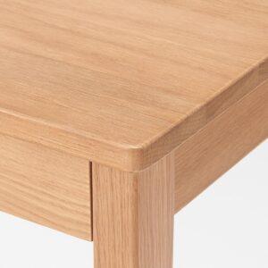 無印良品・木製デスク・オーク材 の天板角の質感