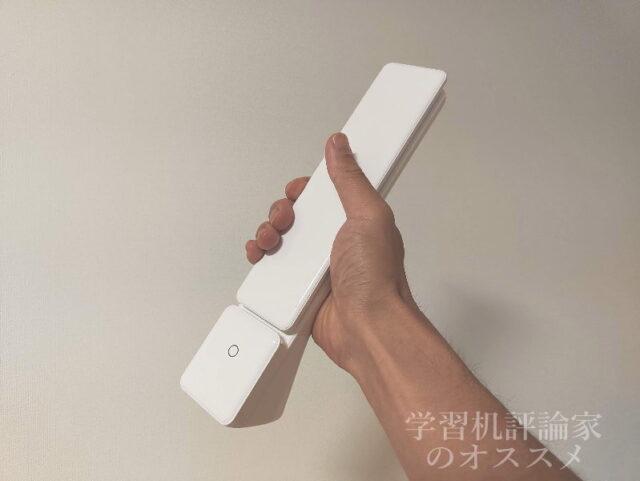 ニトリ・USB充電式ポータブル LEDデスクライト「DX-SX20WH」は軽くて持ち運びやすい