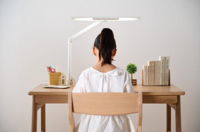 コイズミファニテック・LEDデスクライトECL-111